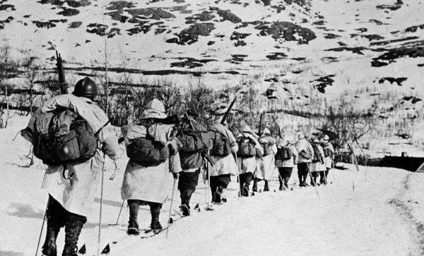 La campagne de Norvège, à la second guerre Mondiale, la France envoya des troupes sous le nom de corps expéditionnaire français en Scandinavie ( CEFS ) afin de combattre l'invasion allemande en 1940