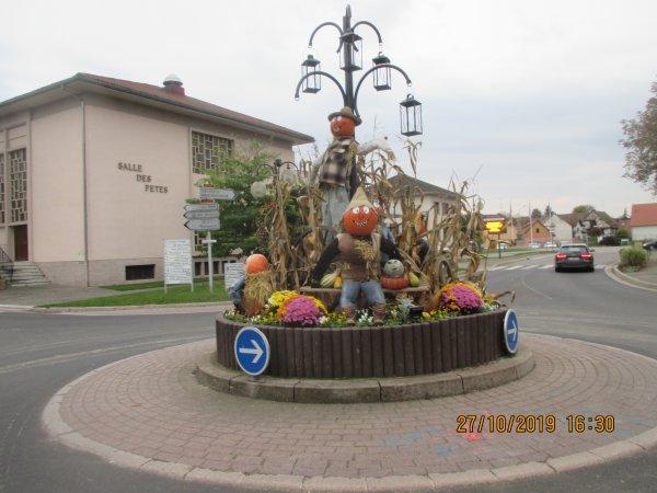 Halloween  dans un village  sur la Route de la choucroute ...