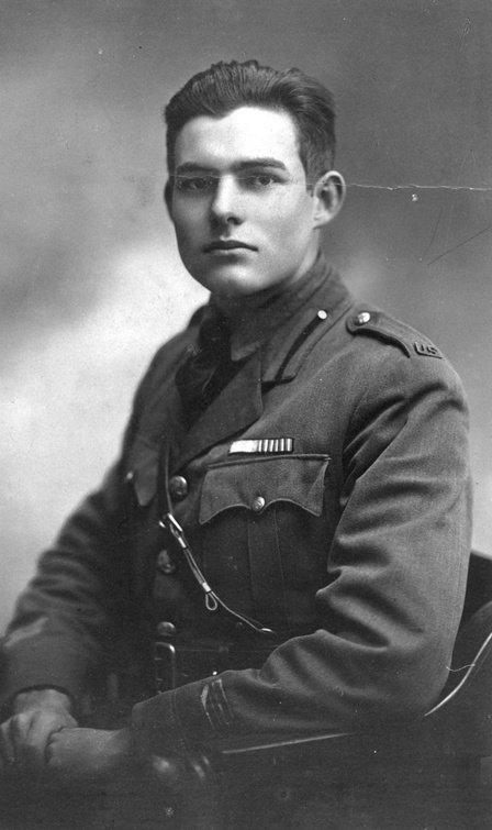 Ernest Hemingway à Milan en 1918 - Bravo : papi  nomaka  dany  josy