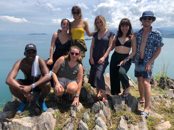 Photos du lac Kivu envoyées par Lisa petite fille en stage au Rwanda. Vue sur le Kilimandjaro avec vol de chauve souris