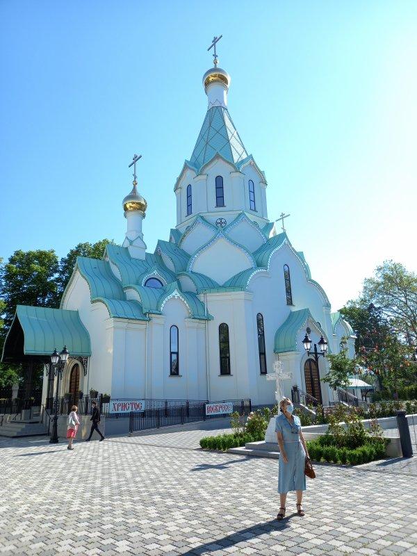 Eglise orhodoxe , on ne construit pas uniquement des mosquées à Strasbourg  !!!!