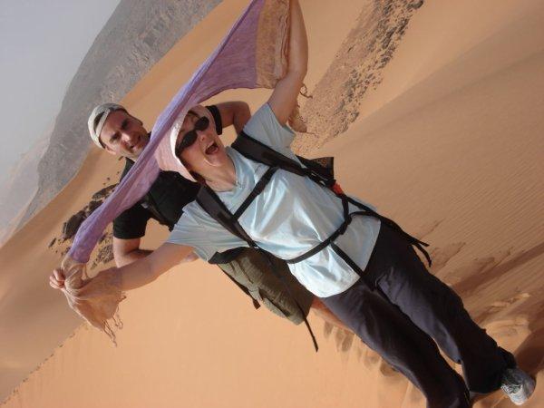 le touriste au déserte d'algerie
