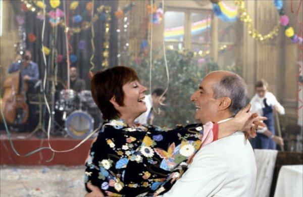 UNE PAGE DU CINEMA .... DECES D'ANNIE GIRARDOT