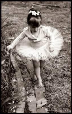 petite danseuse la vie en noir et blanc. Black Bedroom Furniture Sets. Home Design Ideas