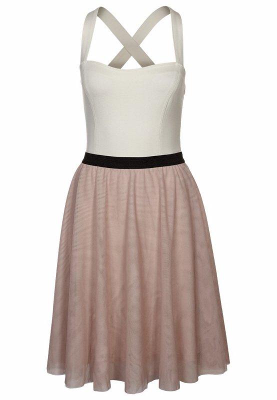 j'adore cette robe !!