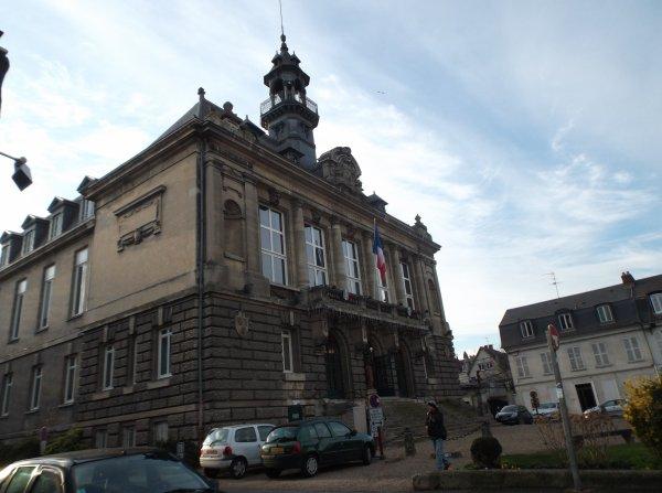 La mairie de Vernon vu de côter
