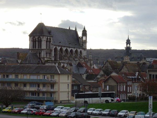 Notre Dame de Vernon et la mairie