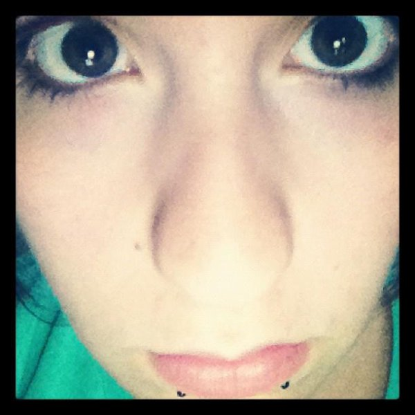 Regardes moi dans les yeux .