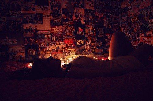 « Je ne veux plus grandir, je ne veux plus rien apprendre. Je ne veux plus souffrir, je préfère qu'on me mente. Je préfère haïr plutôt que de déprendre. » Jena Lee _ Je préfère