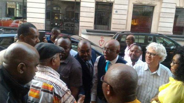 Combattant Mpia d'Argentine en colere contre Adolphe Muzito, ancien Premier Ministre