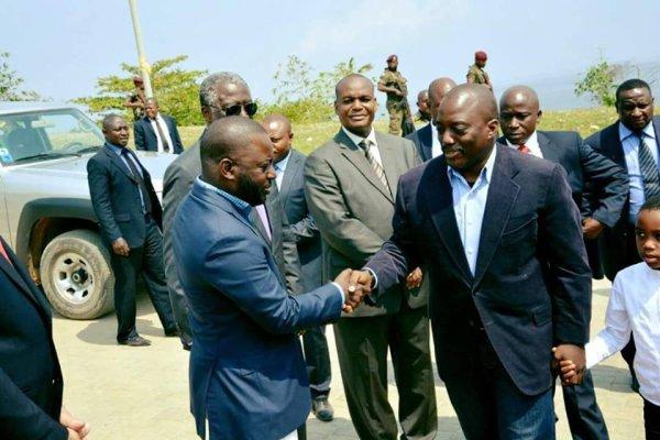 Felix Tshisekedi désigné nouveau chef des Kamuina Nsapu est accusé par la police d'avoir fait libérer Ne Mwana Nsemi et d'être derrière les attaques à Kinshasa.