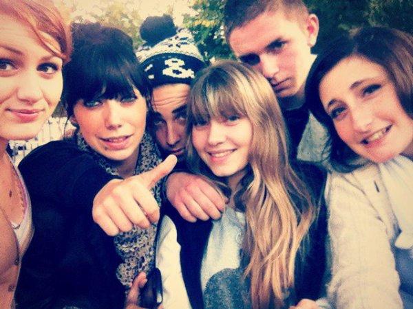 Maëlys, Sarah , moi-même , Mégane , Bastien , Marion! <3