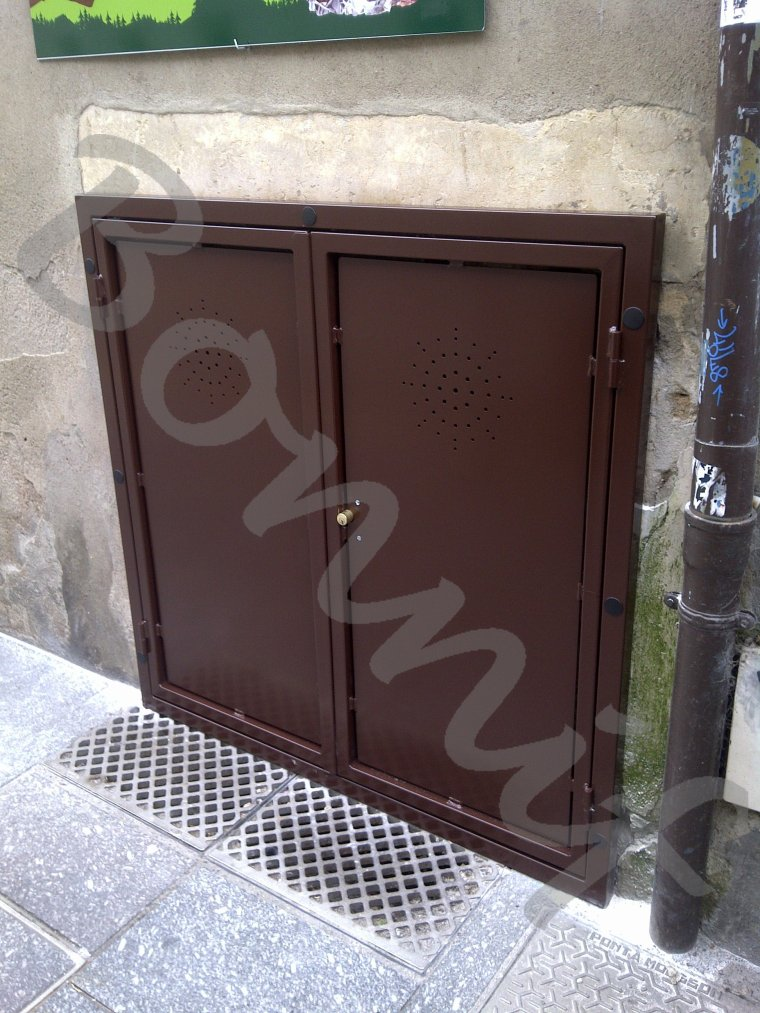 Bonnif 39 fabrication porte acces cave exterieur nancy for Porte de cave