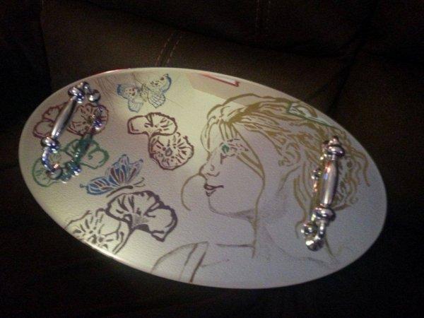 plateau en miroir gravé et peint 50x30