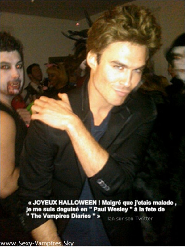 .   ...... ♦ Via Twitter  . 1 Novembre 2010 // Nos vampires adorés fetant Halloween ! J'ai oublié de mettre la photo de Paul =S !!.