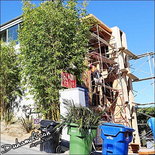 . 03/10/2013- Josh et Fergie ont été vérifier l'avancement des travaux de leur maison à Los Angeles.