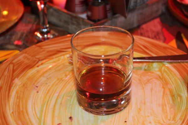 Hollands aperitief : Rode martini, 20cc kostprijs 5euro