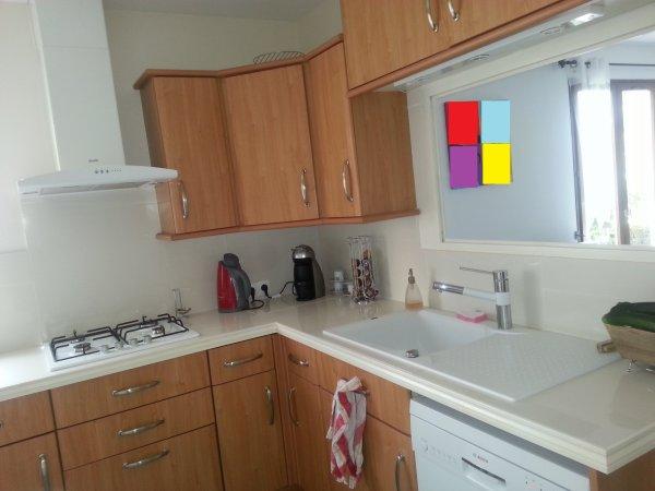 cuisine avec ouverture donnant sur le salon maison houx 28130. Black Bedroom Furniture Sets. Home Design Ideas
