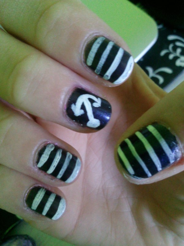 Nail art ... Marin