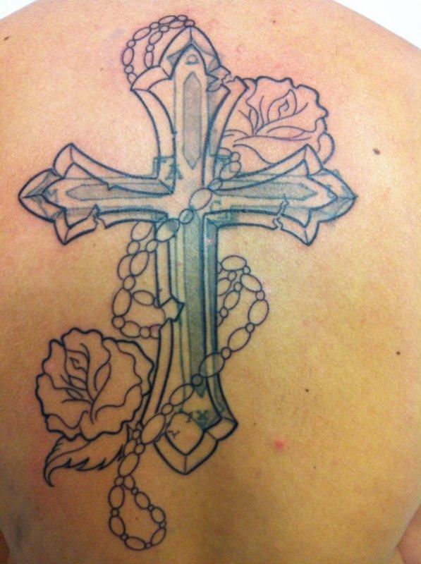 cover d'une croix par une croix lol - tattoo