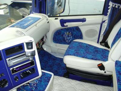 Int rieur camion de paille b taill re d cor for Interieur camion scania