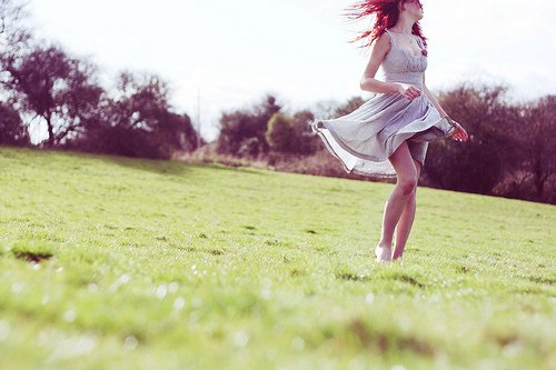 La vie n'a qu'un sens : y être heureux. Si la vie n'est pas synonyme de bonheur, autant ne pas vivre. [Henry de Montherlant]