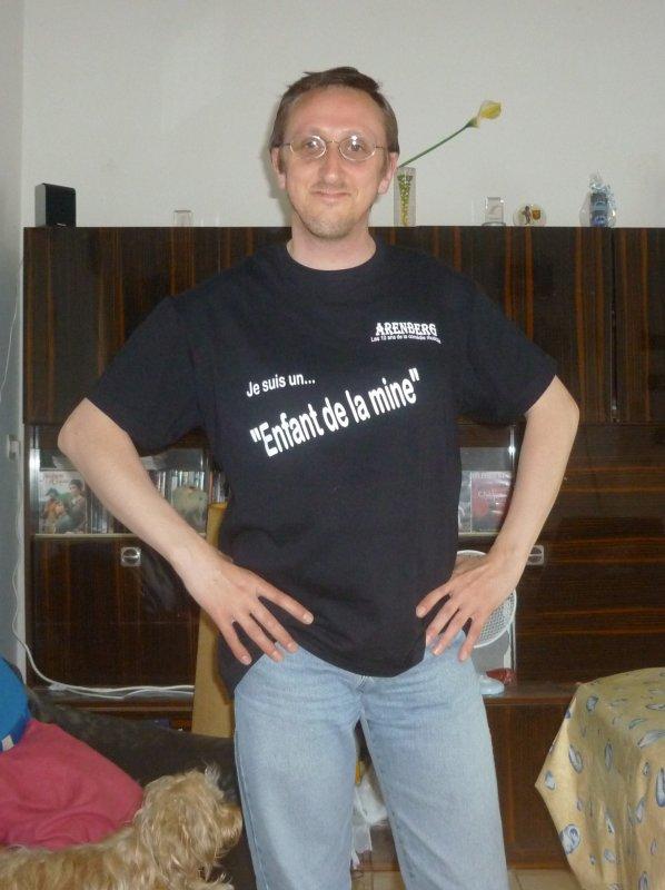"""Moi avec T-Shirt """"Les enfants de la mine"""""""