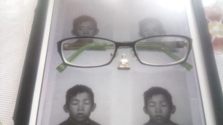 Les lunettes attendent