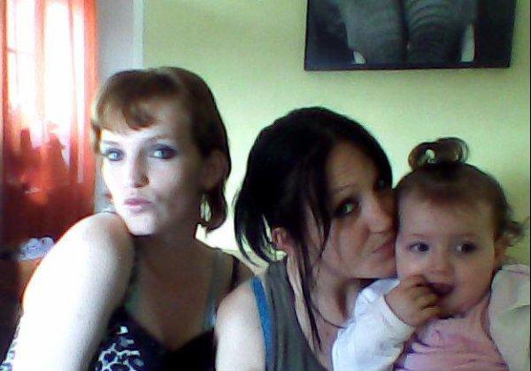 ma soeur ma fille <3 et moi