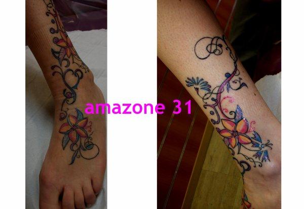 Fleur De Frangipanier Et Frise Tatouage Amazone