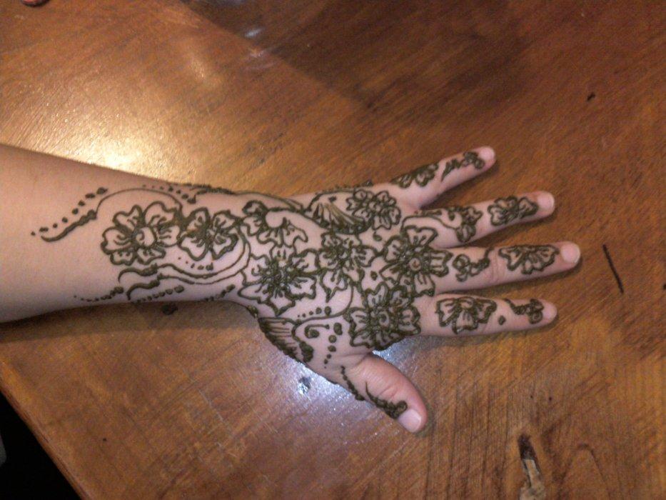 Pin dernier modele blog de neqacha henna on pinterest - Modele de henna ...