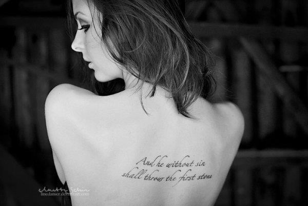 On va commencer par des tatoos lettrages :)