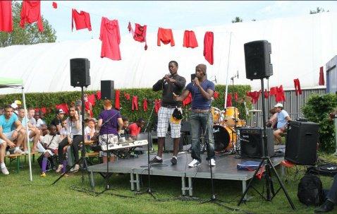 Prestation de Deemob Demo et Skybal lors de la fête de la ville