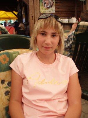 --> Moi... La ptite blonde!! Mdr <--