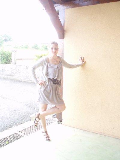 --> Elle, Ma Cousine Adoorée.!! <3 :) <--