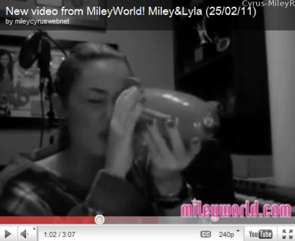 .  Miss Miley a fait une vidéo et l'a mise sur MileyWorld le 25 Février. Elle présente son nouveau chien Lila, et nous remercie pour ses nominations aux Kids' Choice Awards 2011. Miley est nommée dans 3 catégories cette année : Favorite TV Actress, Favorite Movie Actress et Favorite Female Singer. La cérémonie aura lieu le 2 avril 2011 à LA.  .