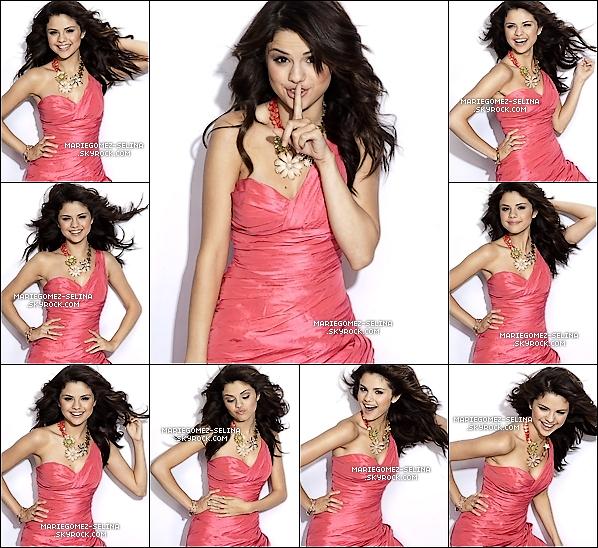. Découvrez la suite du sublime photoshoot issue du fameux magasine « Seventeen » Cette suite de photos est vraiment superbe ! Selena est très jolie, elle ose toutes les postures imaginables et c'est magnifique. .