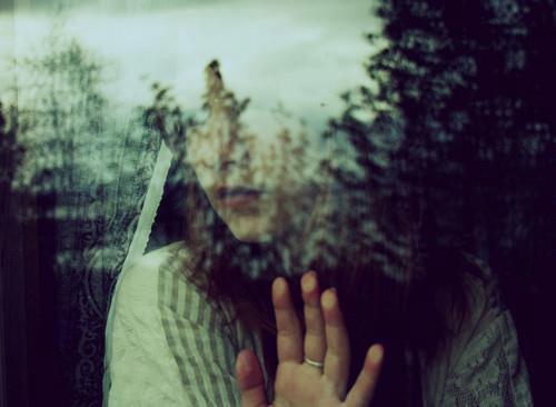 Ne dis jamais au revoir. Parce que dire au revoir signifie partir, et partir veut dire oublier.