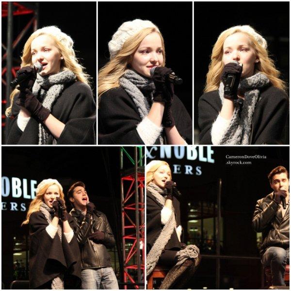 ► Concert 22/11/2014  Dove, accompagnée de son petit ami Ryan McCartan, lors de l'inauguration du sapin de noël de la ville Westlake, dans l'Ohio.