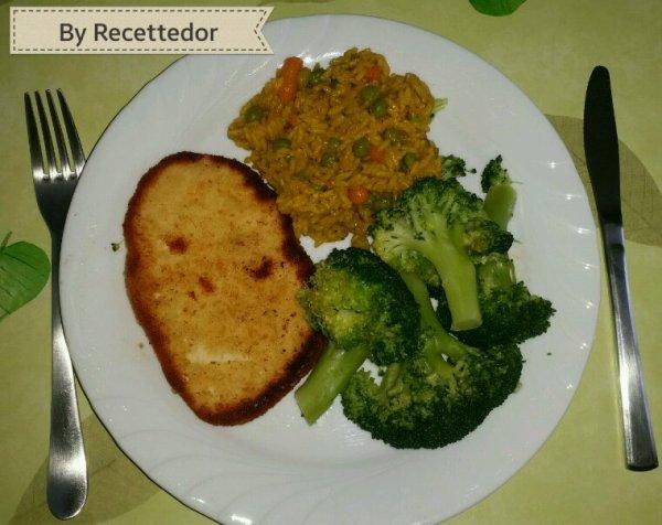 Escalope de dinde, riz à la Turc et brocoli vapeur