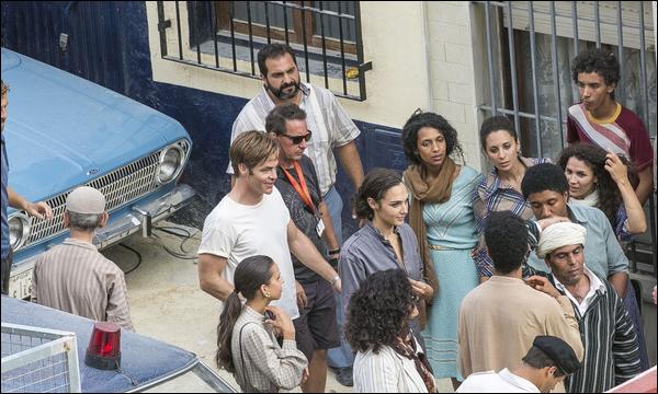 . 10.09.2018 ▬ Gal était avec Chris Pine sur le tournage de « Wonder Woman 1984 » à Almería en Espagne  .