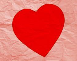 """Hanna - Mon Coeur  """" J'voudrais m'acheter un nouveau coeur Je cherche partout un vendeur Et s'il faut j'y mettrais le prix, Même toutes mes économies Mais surtout faites bien attention Je n'en veut pas un d'occasion J'en veut un très très résistant, Qu'il tienne au minimum 5 ans  Mon coeur mou, comme un schamallow Mon coeur en miettes, en mille morceaux Mon coeur fragile, fragile comme un oiseau Mon petit coeur, tomber a l'eau  J'en veut un tout neuf tout nickel Qu'il soit passé a l'eau d'javel Et qu'il sintille et que sa brille Et bein sûr le modèle pour filles Parcontre j'voudrais une garantie Au cas où j'ai un p'tit soucis Vaudrais mieux qu'je sois assuré Mon coeur n'arrête pas d'se briser  Mon coeur mou, comme un schamallow Mon coeur en miettes, en mille morceaux Mon coeur fragile, fragile comme un oiseau Mon petit coeur, tomber a l'eau  Cette fois je s'rais plus pragmatique J'metrais des barrières éléctriques Pour éviter qu'un con m'le pique Surtout qu'y a pas d'antibiotiques J'ai emmener le mien chez le médecin Il m'a dit ma p'tite j'y peut rien Il m'a juste fait une ordonnance Avec écrit faut plus qu't'y penses. """"♫"""