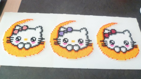 hello kitty lune pour alison, kelly et lilas