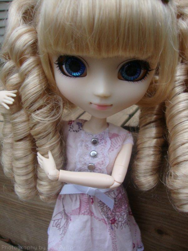 Ma blonde aux yeux bleus ♥