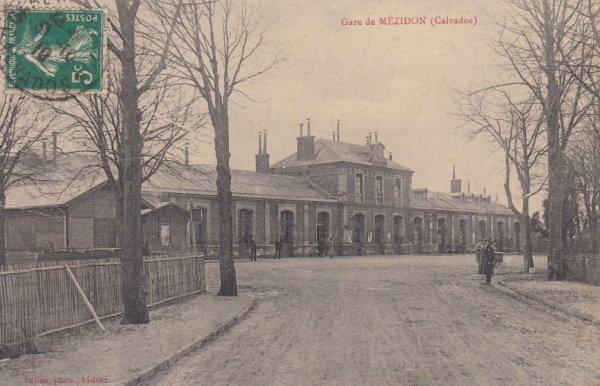 Gare de Mézidon en carte postale
