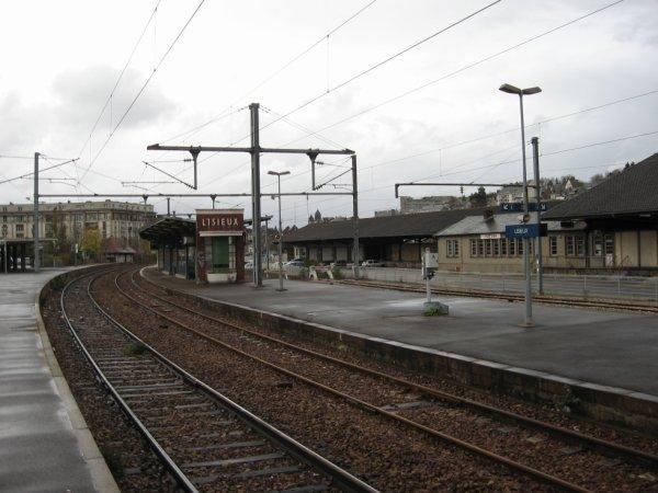 Lisieux - Quais et Voies vers Trouville Deauville