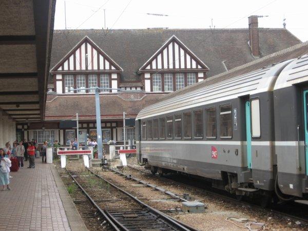 Heurtoirs et rame Corail à Deauville