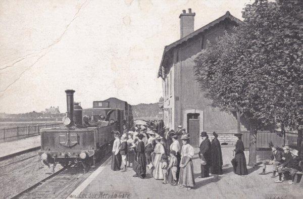 Gare de Luc sur Mer en carte postale