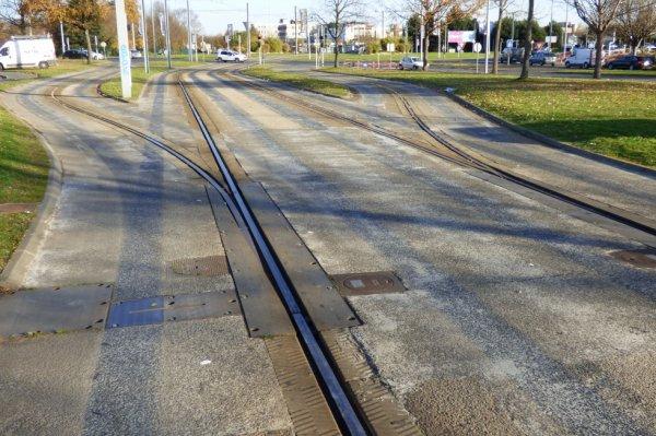 Voies d'entrées et de sorties du tram de Caen