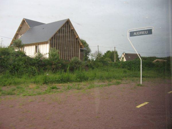 Passage à la halte d'Audrieu le 13 mai 2009